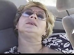 Outdoor mature lady loves dogging Sonia from 1fuckdatecom
