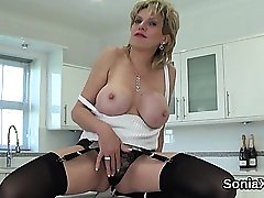 Unfaithful uk mature lady sonia displays her giant boobs