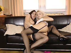 Classy lesbian cougar eating out young pussy