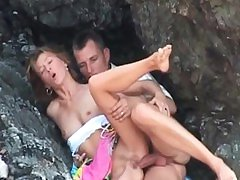 amateur porn mature fucking in the beach      by oopscams
