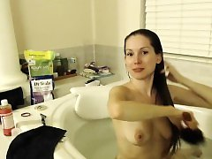 Lelu love webcam shower bath and o Mavis live on 720camscom